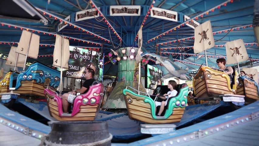 Paris france 17 july 2015 amusement park time lapse for Amusement parks in paris