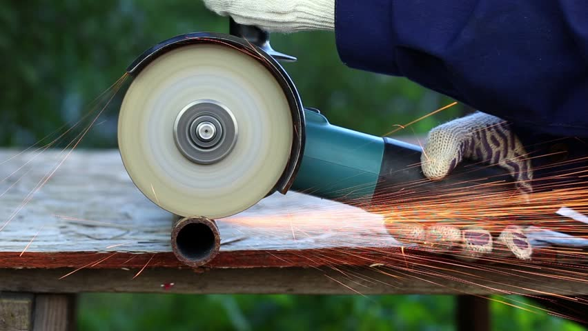 how to cut cast iron pipe with an angle grinder