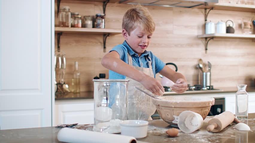 Mkaing Cake Flour