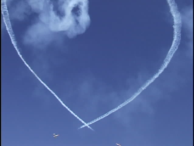 planes form heart at air show