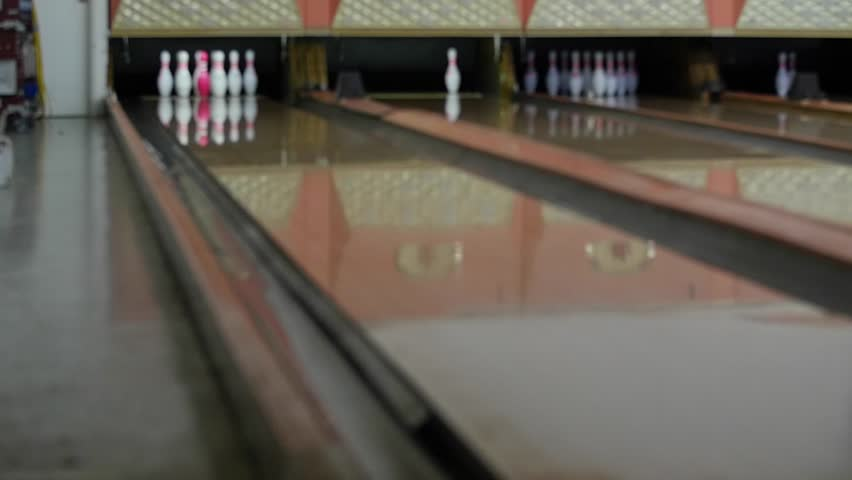 A Seamlessly Loopable 3d Animation Of A Bowling Alley The