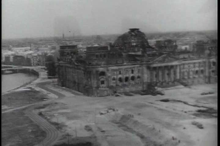 an analysis of the aftermath of dropping of the atomic bomb on hiroshima A summary of the bombing of hiroshima an atomic bomb dropping from a plane  with american and russian flags as a backdrop between 1941 and 1945,.