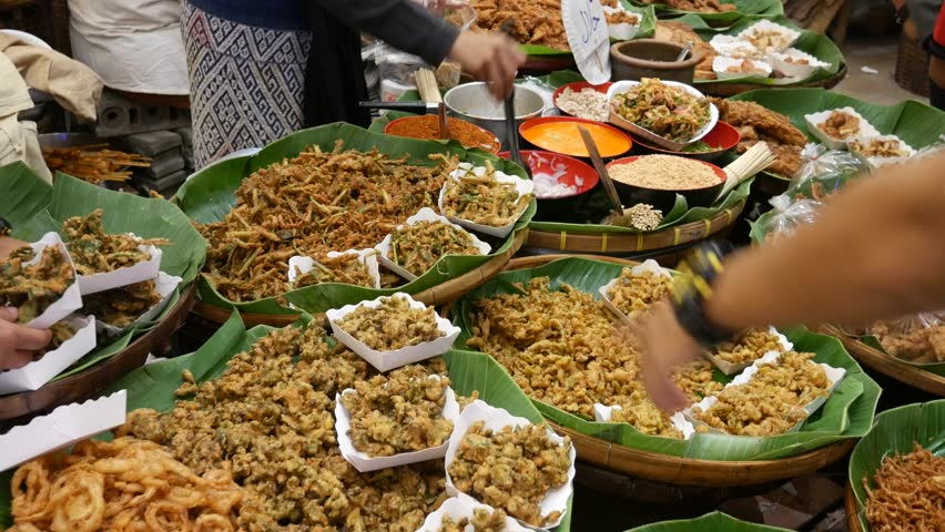 significance of street food Some studies estimate that street vendors constitute approximately 2 per cent of  the population of a metropolis ▫ street-vended foods to be a significant part of.