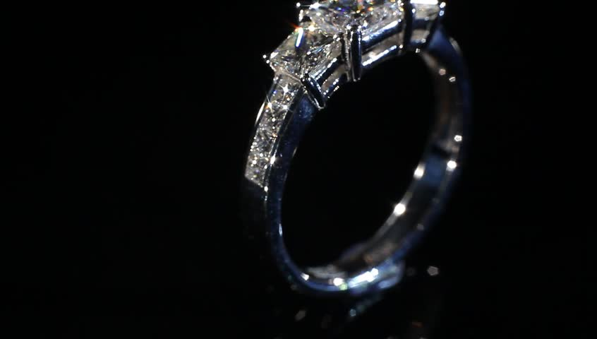 Your beautiful engagement ring Gold engagement ring turning