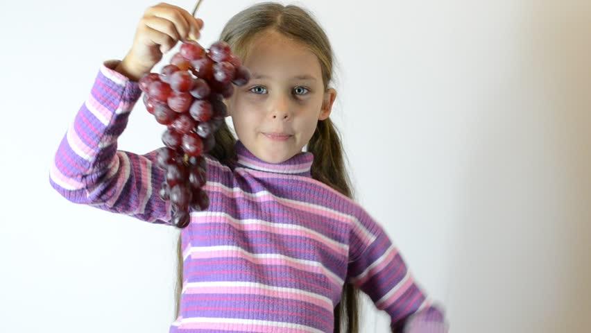 Девушка в компании гомиков видео фото 744-723