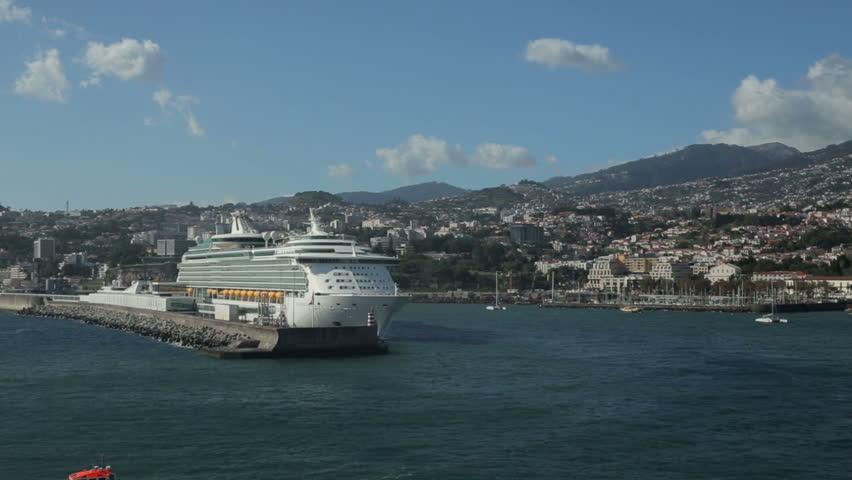 FUNCHAL MADEIRAPORTUGAL  NOVEMBER 14 Royal Caribbean Cruise Ship Navigato