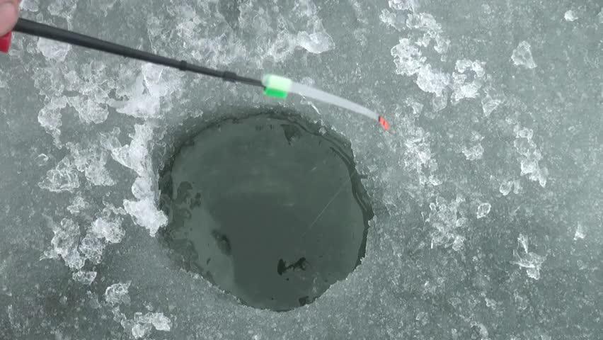 ice fishing hole - photo #40