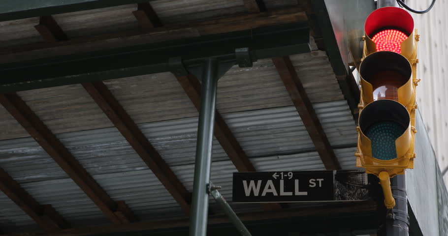wall street sign light traffic new york city downtown financial district ultra high. Black Bedroom Furniture Sets. Home Design Ideas