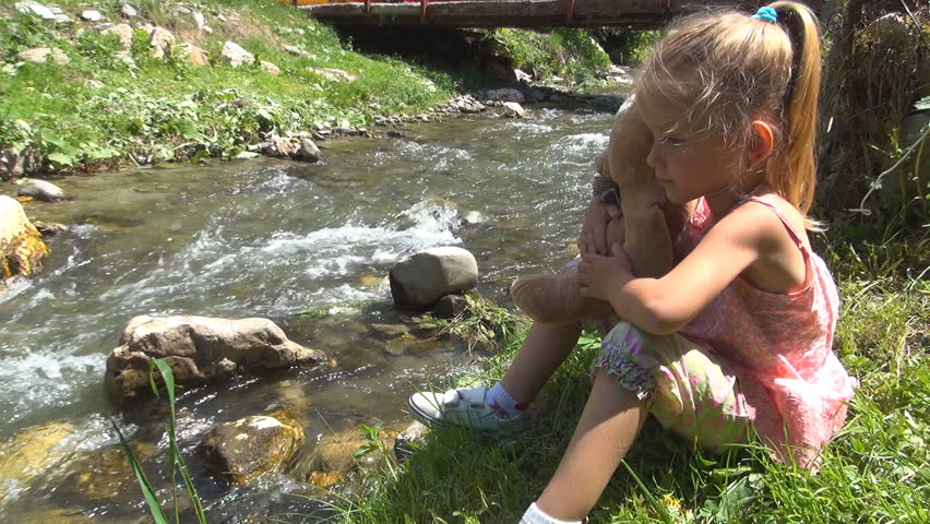 little river girls New river fly fishing, lessons, guided trips and fishing supplies.