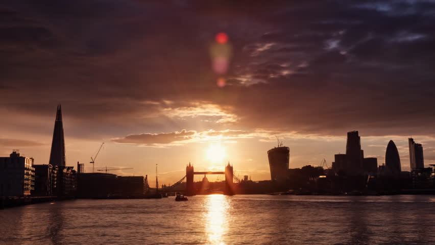 Perfect Sunset with London Tower Bridge, Shard, Walkie Talkie, Time Lapse4k + 1080p