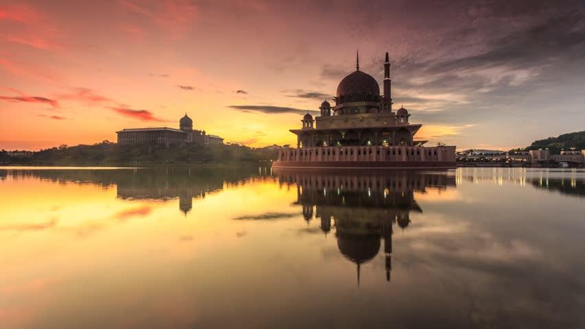 Sunrise timelapse at Masjid Putra or Putra Mosque, Putrajaya, Malaysia