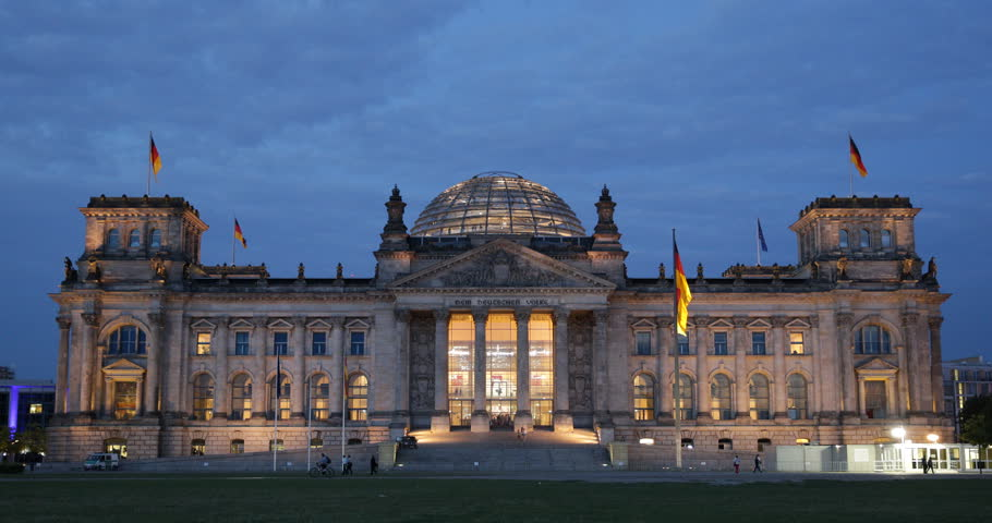 tourists visiting reichstag bundestag parliament building berlin dusk lights ultra high. Black Bedroom Furniture Sets. Home Design Ideas