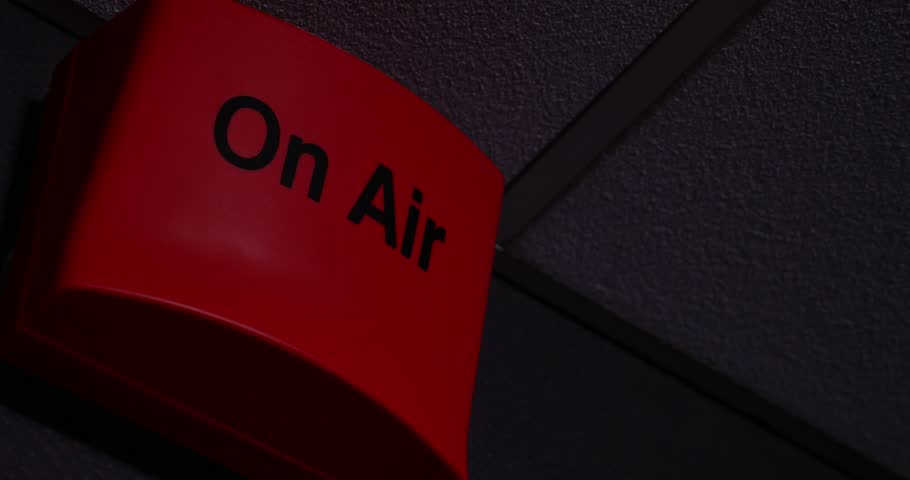 A 4K on-air sign being turned on and off/On-air sign in 4K