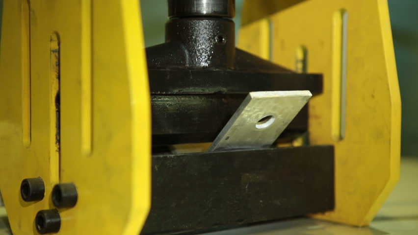 Hydraulic press closeup