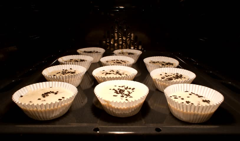 Cupcakes; oven baking muffins; timelapse