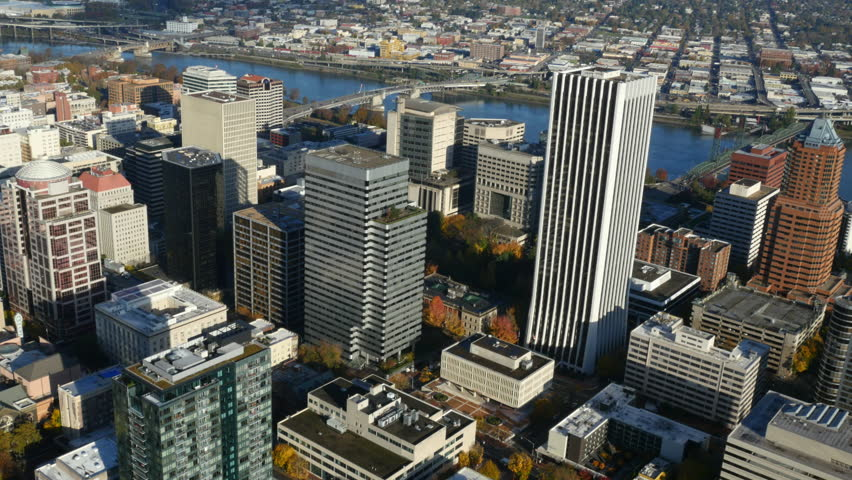 Discovering Portland. Whether you're on the hunt for cheap car rentals in Portland or upscale Portland hotels, Travelocity can supply what you need. Save up to .